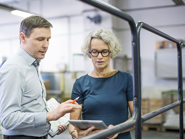 Notre responsable qualité, en collaboration permanente avec nos responsables d'ateliers et nos conducteurs de machines, est garante de la qualité des travaux fournis.